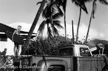 hawaii_surfers_and_truck.jpg